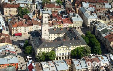 Lviv sightseeing. Market Square
