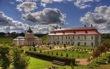 Zolochiv castle